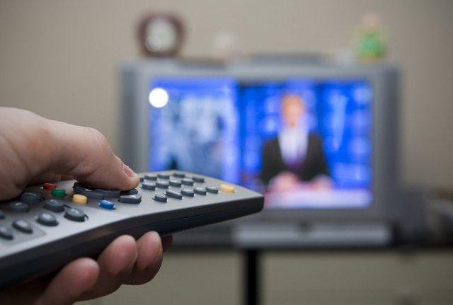 З телевізором, але без улюблених програм: Українців переведуть на платне ТБ. Коли і як