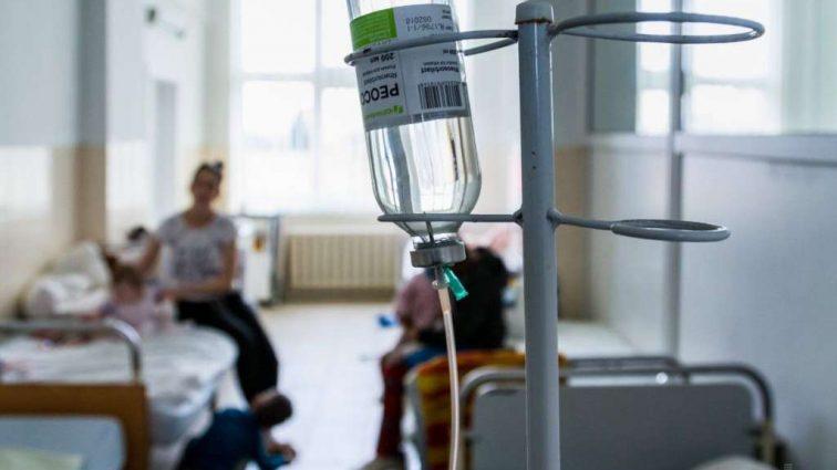 Отруїлися невідомою речовиною: У Львові госпіталізовано людей, серед них дитина