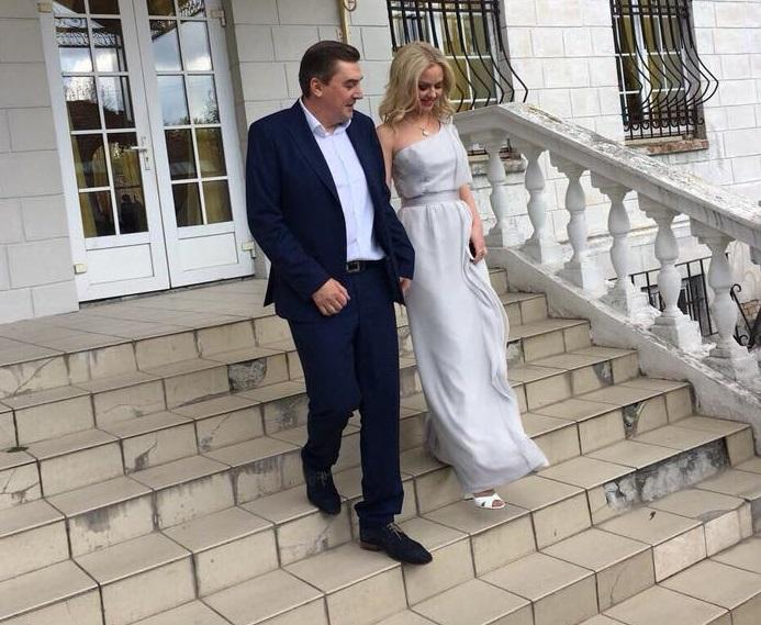 """""""Нашу любов тільки що підтвердила держава"""": Добродомов вдруге одружився, що відомо про новоспечену дружину нардепа (ФОТО)"""