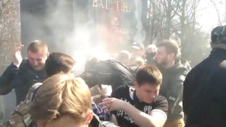 Радикали з С14 влаштували масову бійку прямо в центрі Києва