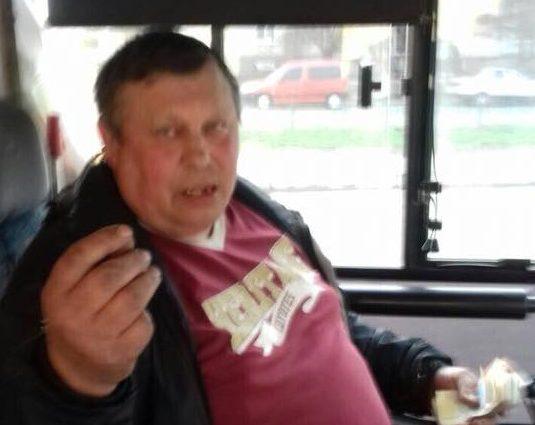 """""""Раз вас не добили на Донбасі, буду добивати тут …"""": Водій маршрутки накинувся на бійця АТО"""