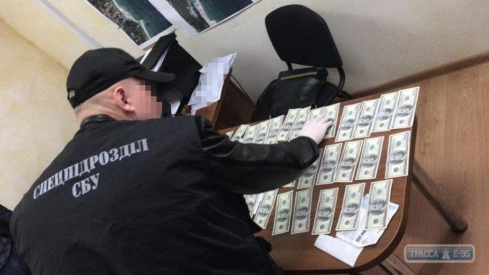 Відомий одеський чиновник попався на великому хабарі
