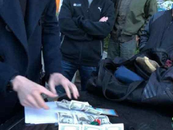 У Києві заарештували суддю, який вимагав хабар у розмірі 8 тисяч доларів