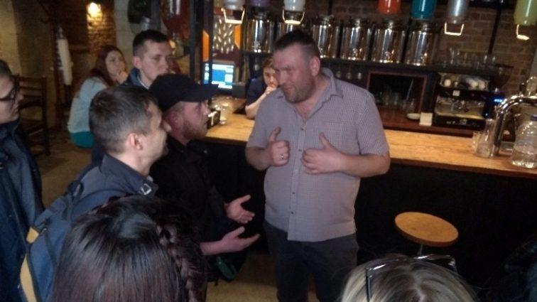 Причетна чиновниця Садового: Стали відомі цікаві подробиці про львівський бар, який оскандалився через російську попсу
