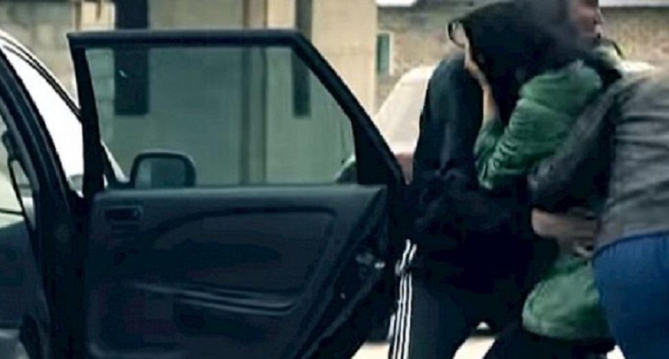 Невідомі у Києві викрали дівчину: Поліція оголошує про план перехоплення