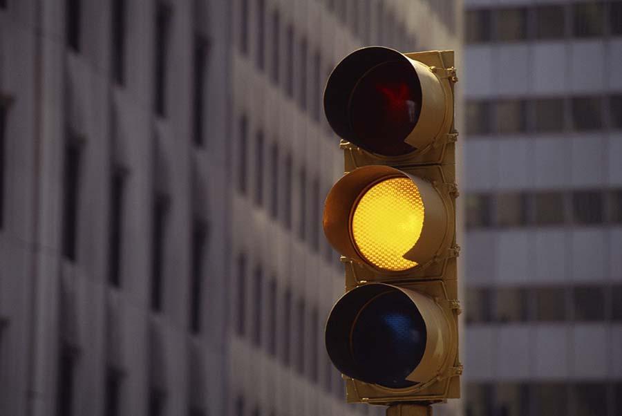 """""""Має бути лише червоний і зелений"""": Жовтий сигнал світлофора можуть прибрати"""