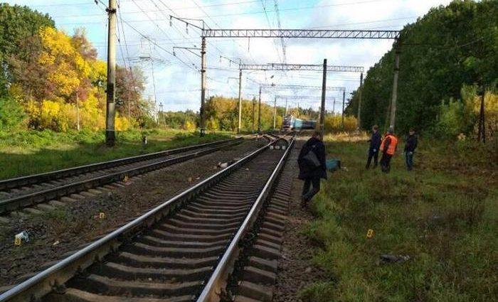 Страшна смерть: Під колеса вантажного поїзда потрапив чоловік
