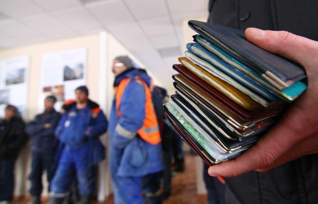 """""""На сезонні роботи за спрощеною процедурою.."""": Польща влаштує справжню революцію для трудових мігрантів"""