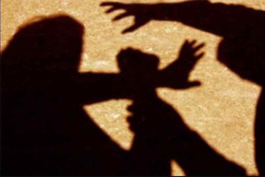 """""""Свідком цього стала мати одного із гвалтівників і відправила її додому…"""": 10-тикласницю жорстоко зґвалтували декілька чоловік"""