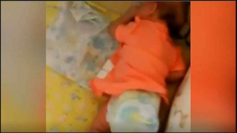 """""""А чого ні, чоловік теж так робить"""":  Мати знущалася над дитиною і знімала ці звірства на камеру"""