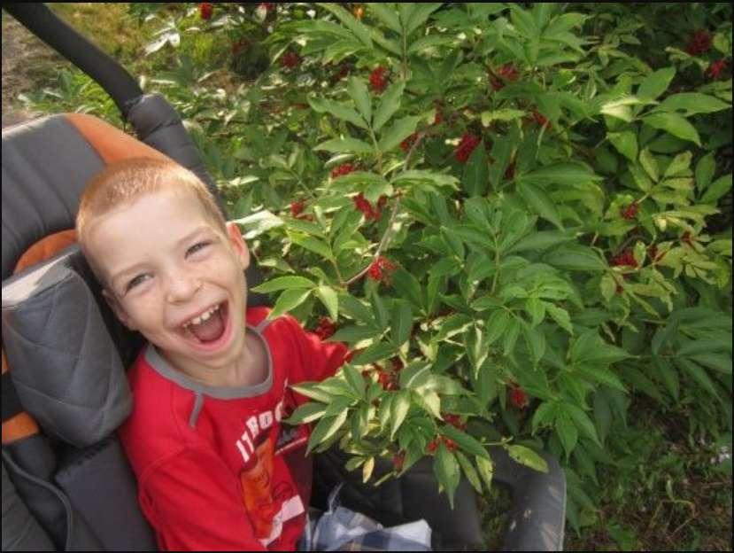 """«Вже зробили перші кроки до одужання"""": 10-річному Івану потрібна допомога"""