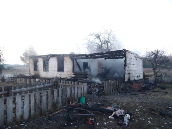 """""""Одне тіло виявили на ліжку інше в колисці"""": У жахливій пожежі загинули двоє маленьких дітей"""