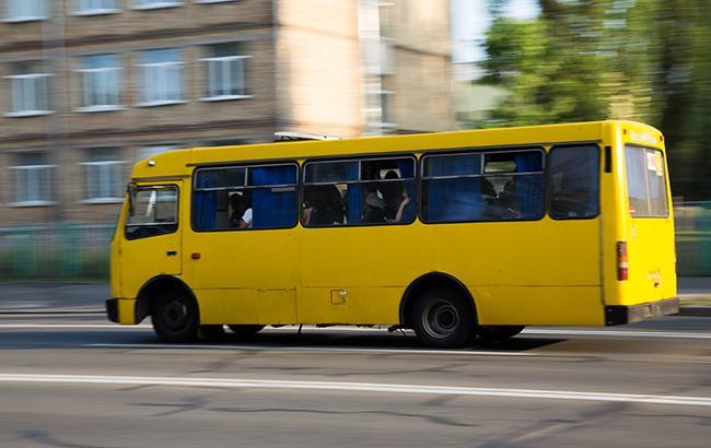 """""""Там знаходилось 22 людини…"""": Пасажири отримали хімічні опіки просто в маршрутці"""