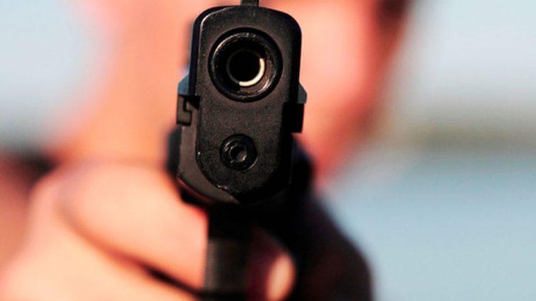 """""""Вистрілив йому в живіт"""": П'яні чоловіки у барі вчинили бійку зі стріляниною"""