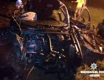 Винуватець помер на місці: На Прикарпатті потяг розчавив автомобіль на переїзді