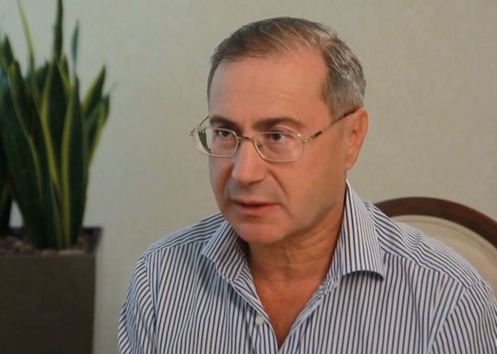 """""""Я тебе закопаю …"""": Нардеп Порошенка накинувся на активіста"""