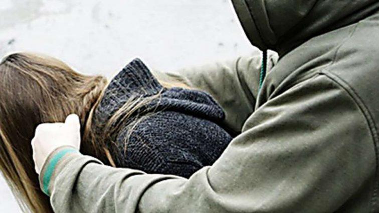 """""""Задовольнив статеву пристрасть """"неприродним шляхом"""""""": Невідомий напав на  дівчину в лісосмузі і згвалтував її"""