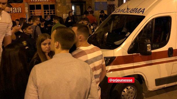 Жахлива ДТП з гонщиком-блогером: Активісти намагалися вчинити самосуд над винуватцем