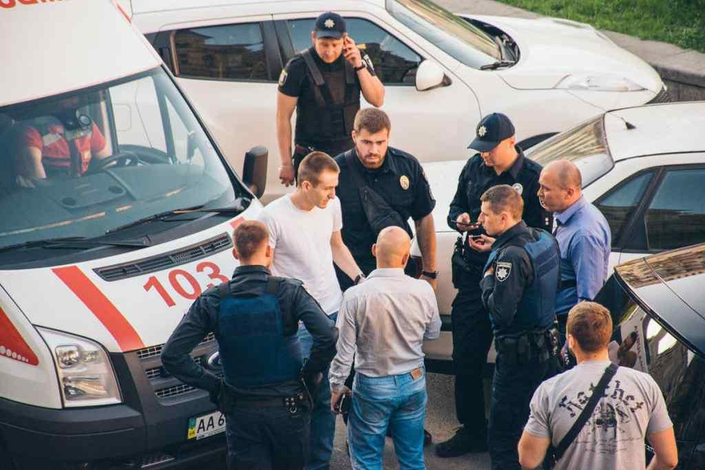 Стало відомо про затримання мажора, який побив нардепа Найєма: Чоловік встиг втекти в Азербайджан