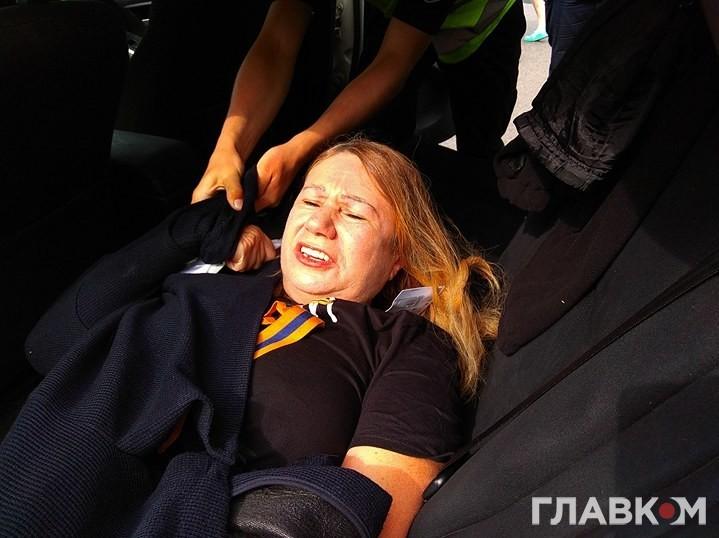 """""""Не приховувала проросійської позиції"""": Маму, загиблої Бережної, жорстоко затримали під час акції """"Безсмертний полк"""""""