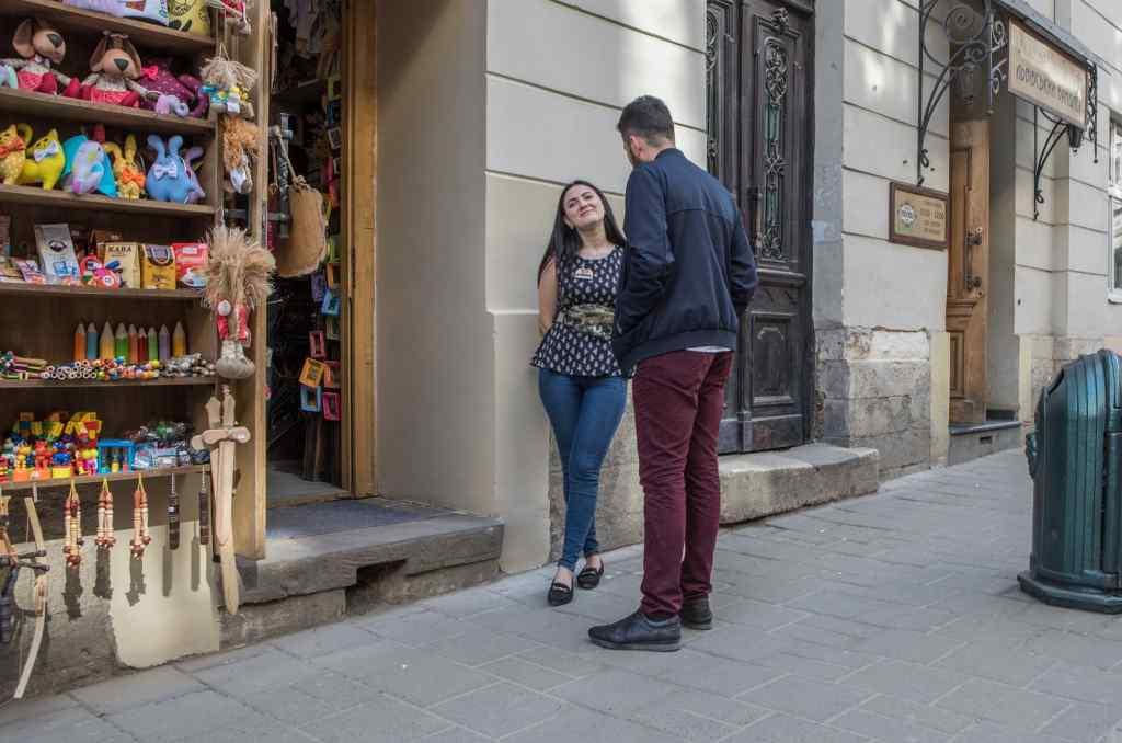 """""""Реалізувати свої брудні фантазії…"""": Вся правда про те, чого шукають туристи-іноземці у Львові. У яку суму оцінюються українські дівчата"""