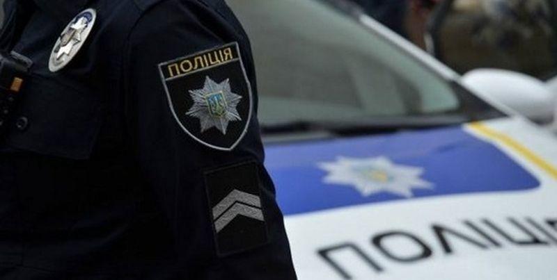 Приїхав «вирішувати питання» за друзів на викраденому авто: Патрульні затримали начальника управління поліції