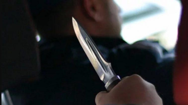 """""""Попросив пригальмувати, а потім вихопив ніж і …"""": Хлопець накинувся на таксиста і викрав автомобіль"""