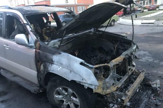 """""""Комусь не догодив"""": У Харкові спалили авто відомого активіста"""