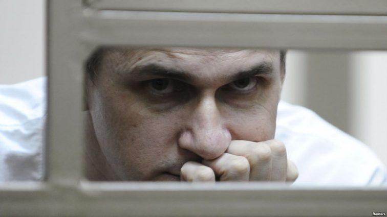 """""""Залишилось 15 секунд, давай прощатися"""": Мама Сенцова розповіла про їх останню розмову"""