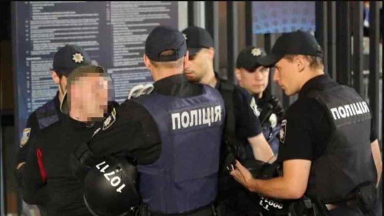 """""""За перекваліфікування статті на менш тяжку"""": Керівника львівського райвідділу поліції спіймали на хабарі"""