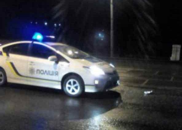 """""""Жорстке затримання"""": Поліцейські уп'ятьох побили водія (відео)"""