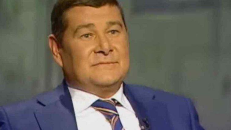 """Робив це """"за погодженням з президентом і його людьми"""": Онищенко був посередником між Порошенком і Тимошенко"""