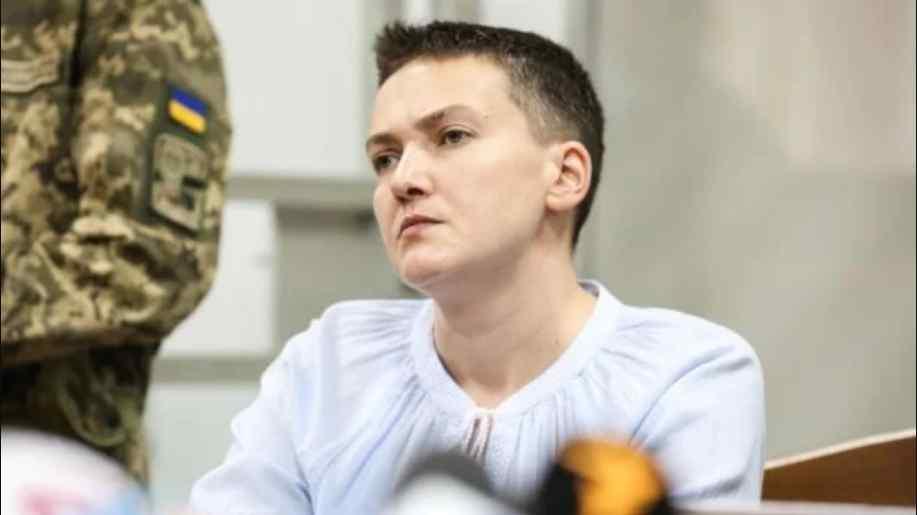 """""""Вона п'є воду, були певні медичні втручання"""": Адвокат зробив емоційну заяву стосовно здоров'я Савченко"""