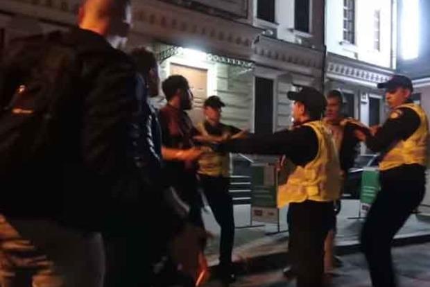 "В столичному кафе сталася масова бійка: П'яний ""спортсмен"" побив трьох людей"