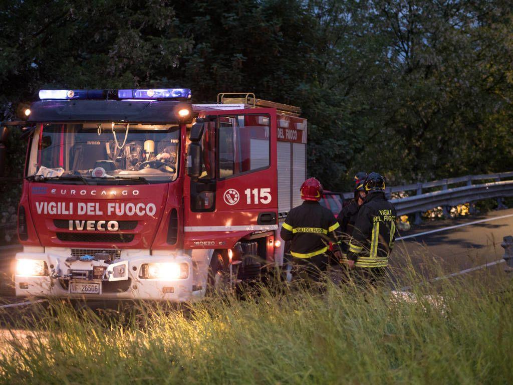 """""""З невідомих причин вилетів з автомагістралі та перекинувся"""": Українці потрапили у страшну аварію в Італії"""