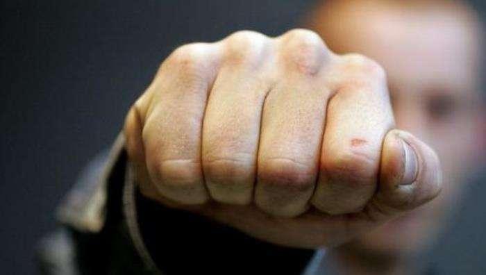 До поламаних щелеп: У спортзалі побилися дитячі тренери з боротьби, одного із них госпіталізували