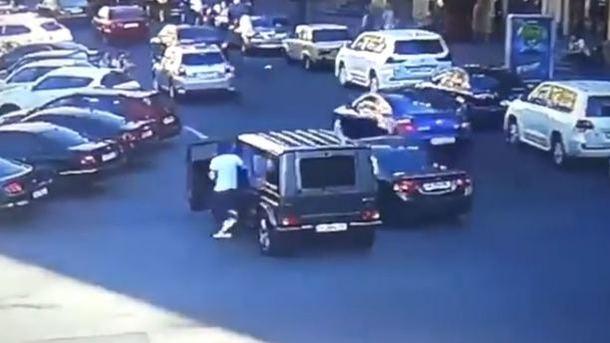 """""""Це не може бути правдою, ніхто з нас не хотів бійки"""": Підозрюваний у нападі на Найєма дав перші свідчення"""