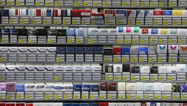 """""""Понад 100 гривень за пачку"""": В Україні піднімуть ціни на сигарети. Стало відомо, коли саме"""