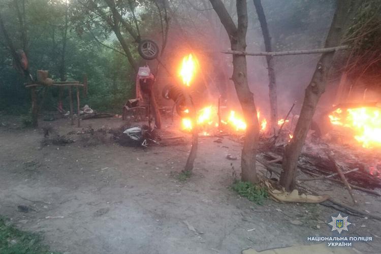У Львові невідомі розгромили табір ромів: Є загиблі, серед поранених – діти