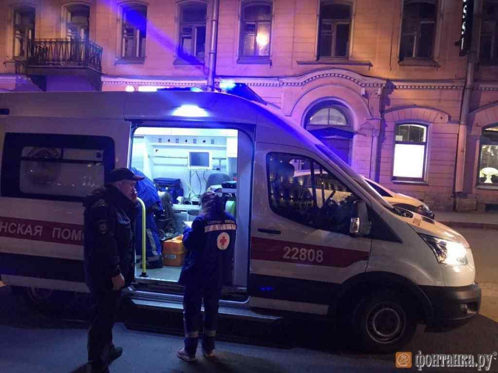 Жорстока різанина в потязі: Чоловік напав на пасажирів з ножем, є жертви
