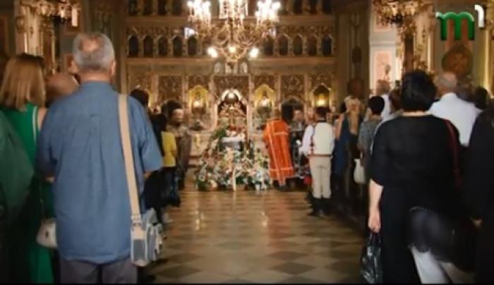 Храм був переповнений людьми: сьогодні попрощались із народною артисткою України