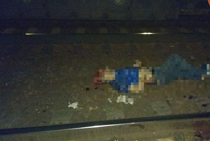 """Один із загиблих практично обезголовлений. Шляхи в патьоках крові"": В Києві поїздом розчавило двох людей"