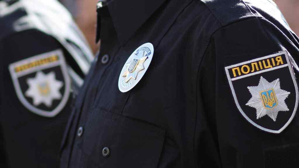 """""""Почав смикати за форму, а потім …"""": У Рівненській області двоє чоловіків напали на поліцейських"""