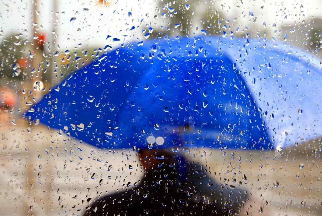 Дощі, грози та похолодання: Синоптикі дають невтішний прогноз