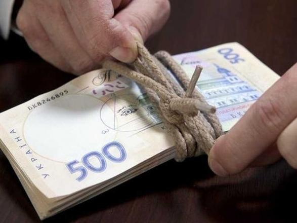 """Вимагав 3 тис. доларів: """"На гарячому"""" затриманий чиновника Рівненьської ОДА"""