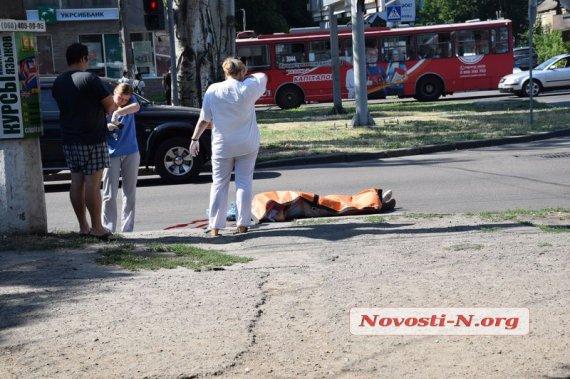 """""""Просто на зебрі"""": Маршрутка на великій швидкості збила пішохода (відео)"""
