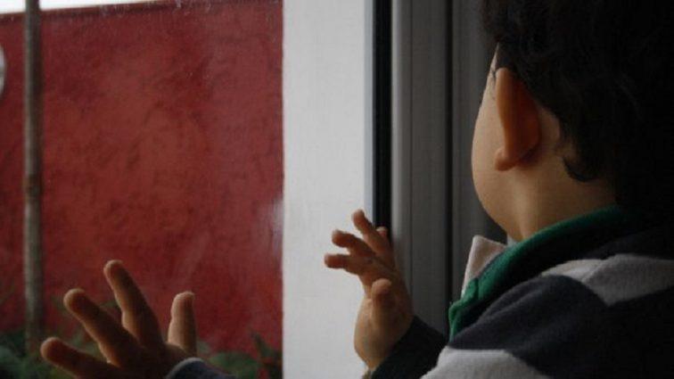 """Не дочекався приїзду """"швидкої"""": У Кривому Розі померла трирічна дитина, яка випала з вікна"""