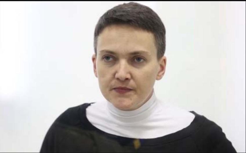 """""""Помітно схудла і …"""": Фото Надії Савченко із зали суду"""