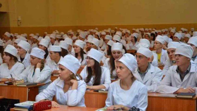 """""""Основне покликання жінки це відтворення"""": В одному з українських вишів вчать принижувати жінок"""