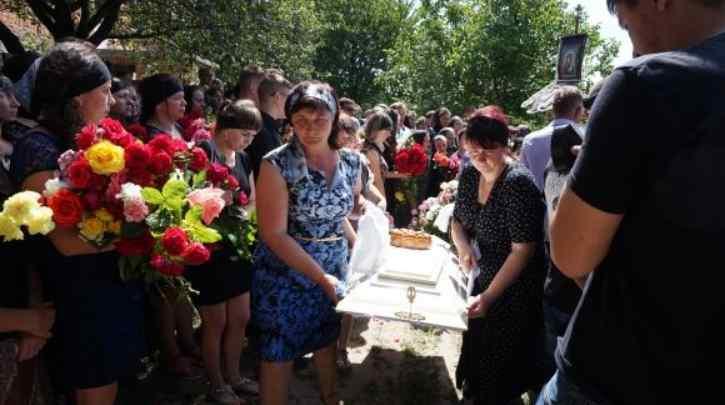 """""""Лежала на ній, поки дівчинка билася в кoнвульсiях"""": українка жорстоко закатувала маленьку дитину в Ізраїлі"""